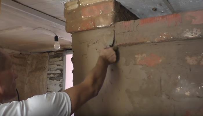 нанесение штукатурки на ровную стену