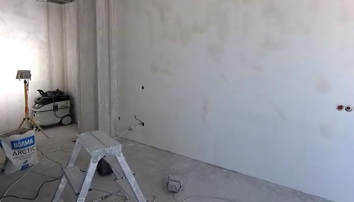 Отштукатуренные стены
