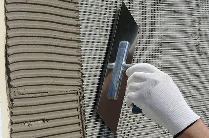 армирование штукатурного слоя сеткой
