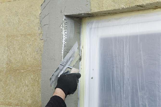 укрепление углов откосов при нанесении мокрой штукатурки