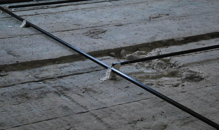 металлическая труба используемая как штукатурный маяк