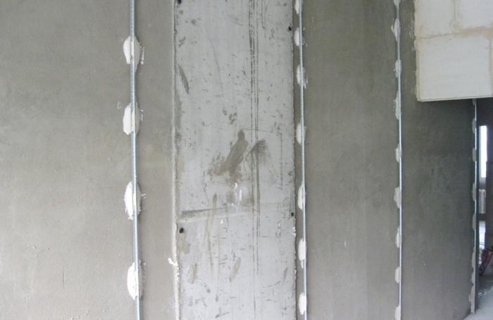 установленные на стену маяки