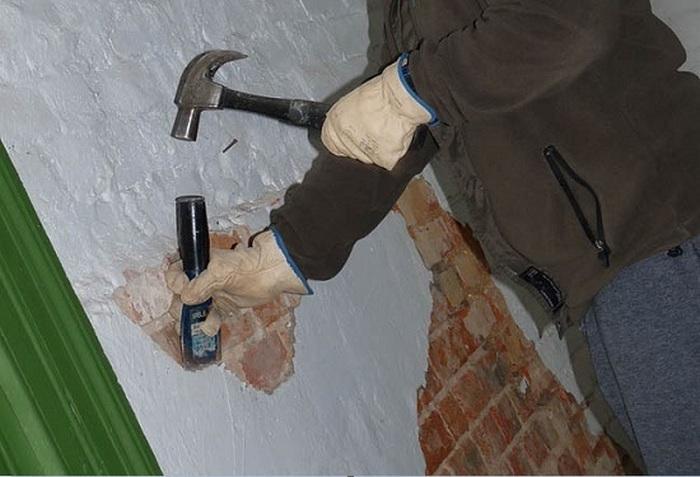 снятие покрытия зубилом и молотком