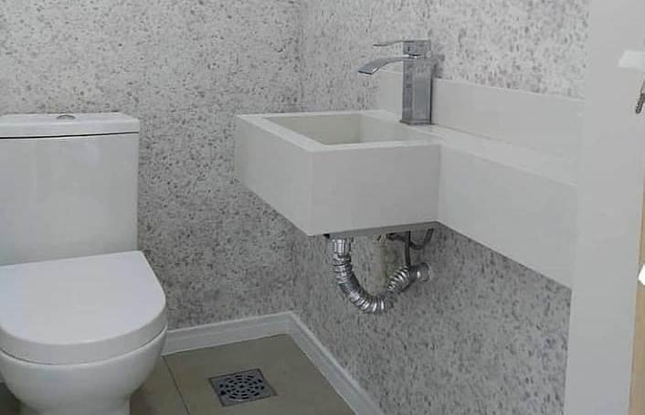 жидкие обои в туалете