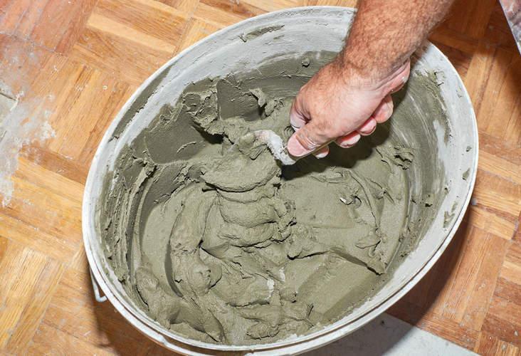 приготовление раствора плиточного клея