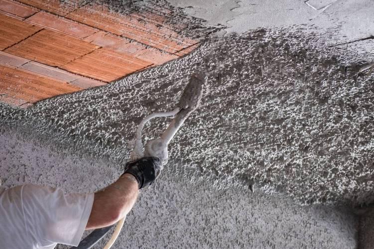 механизированная штукатурка потолка