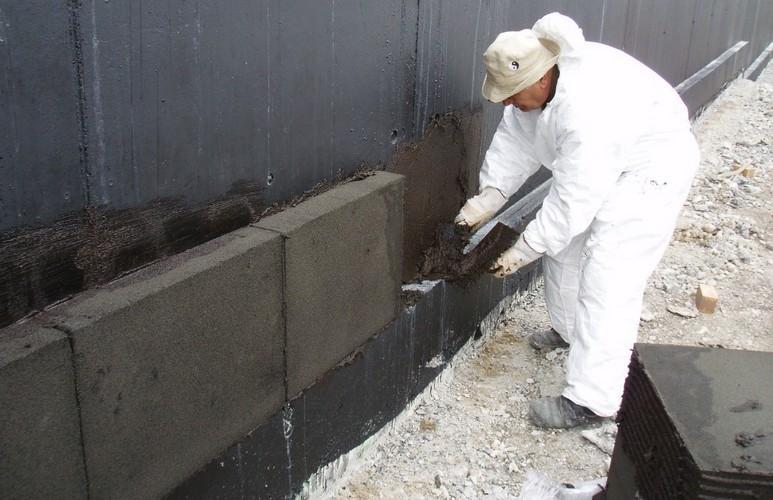 установка плит из пеностекла
